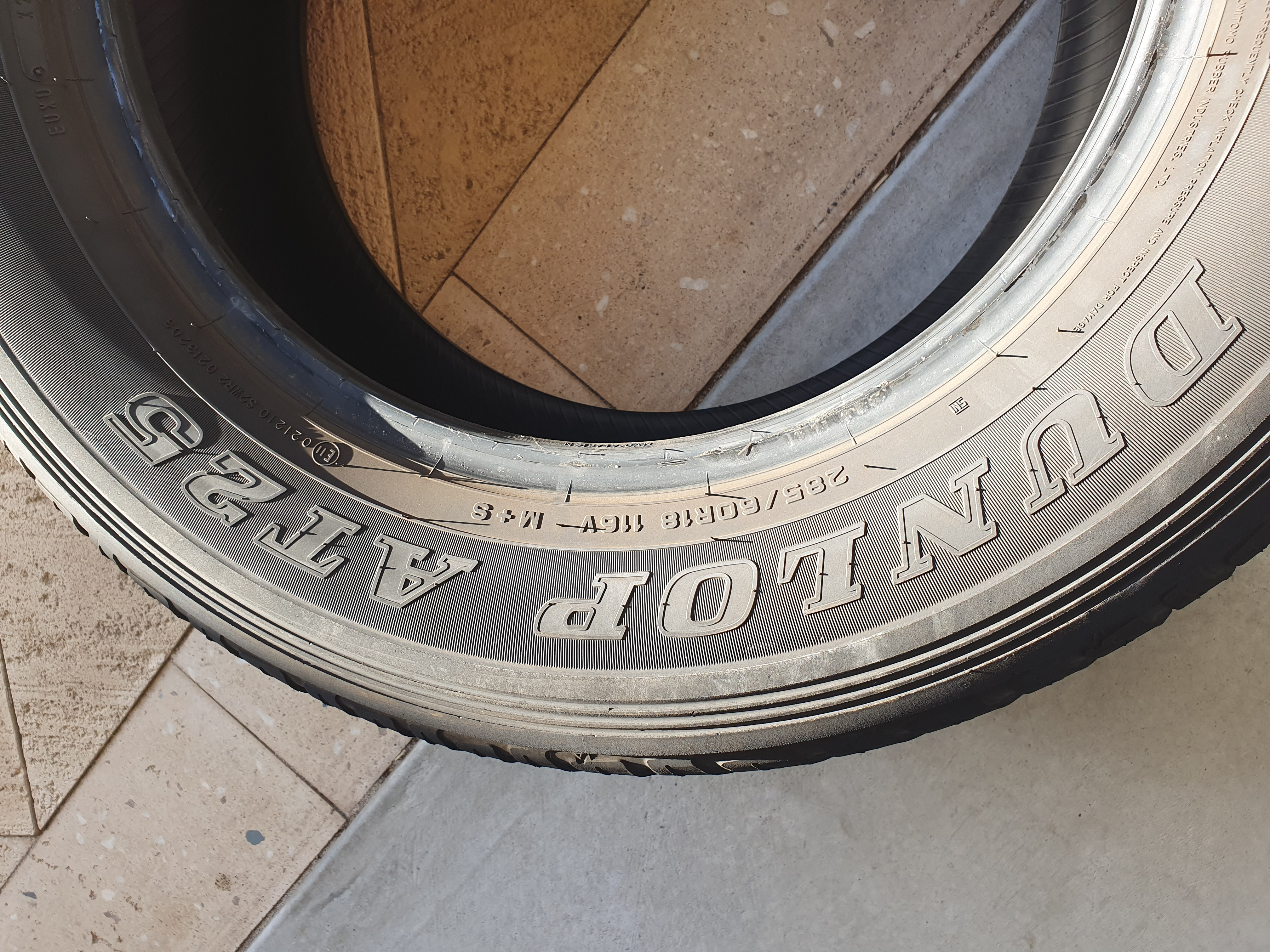 Dunlop AT25 285/60 R18