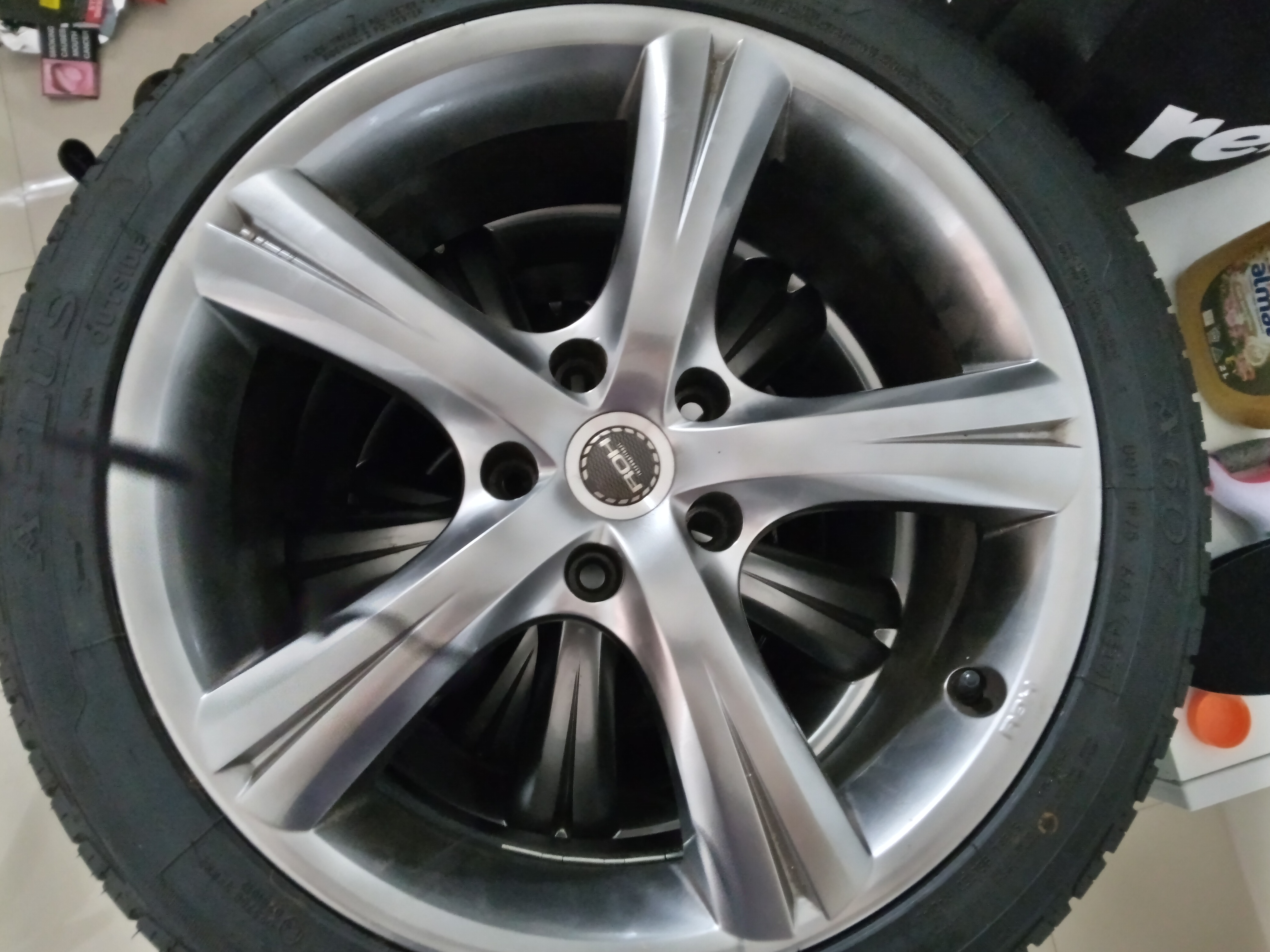19/20 inch Holden Commodore tyres