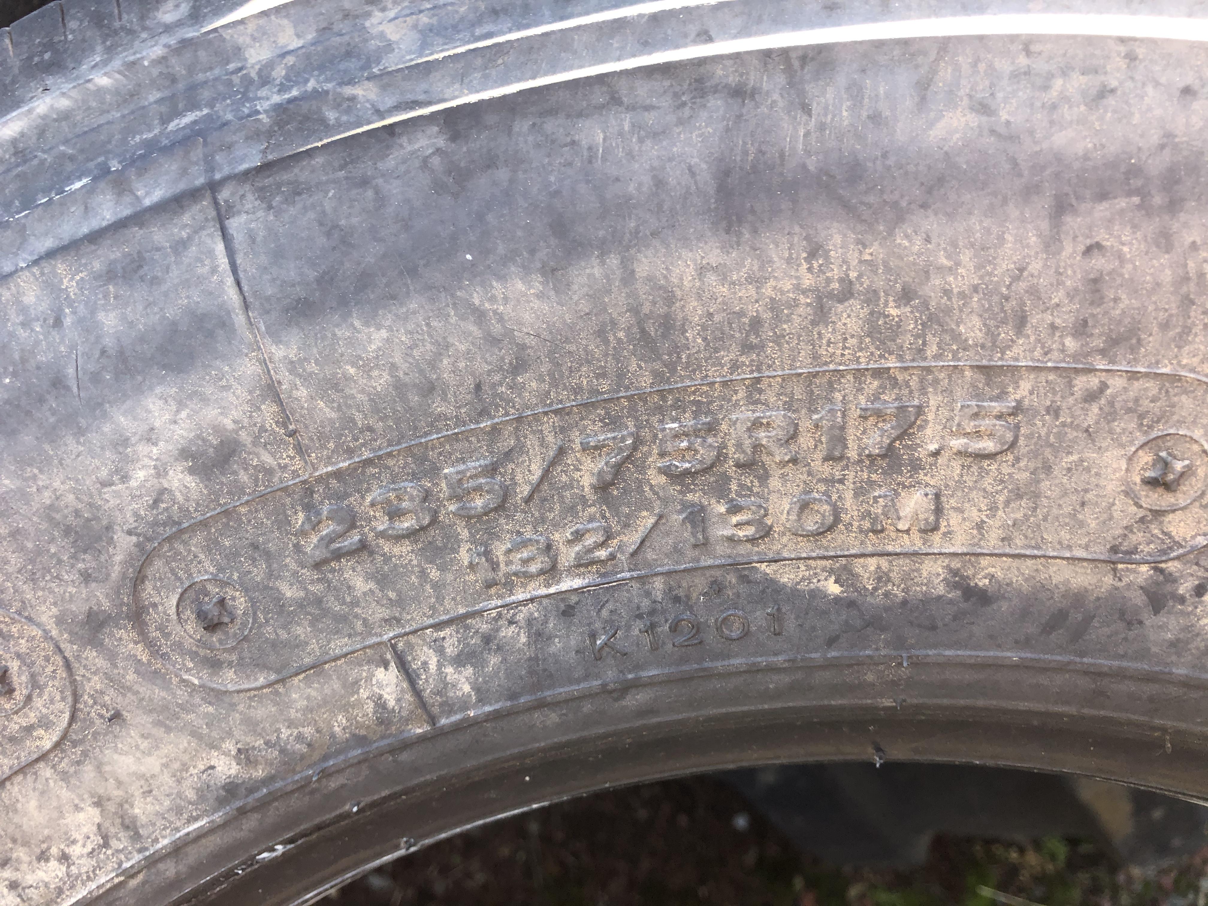 235/75R17.5 Bridgestone 294
